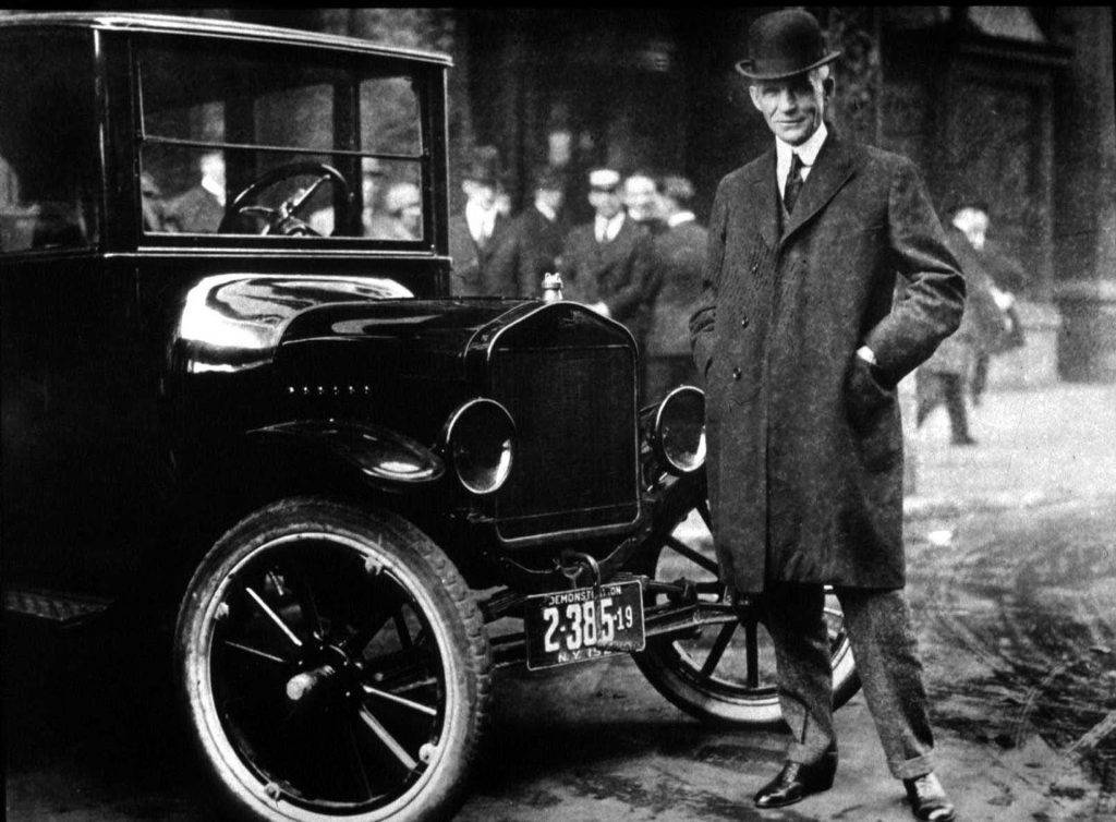 Henry Ford met zijn Model T. (Photo By Getty Images)