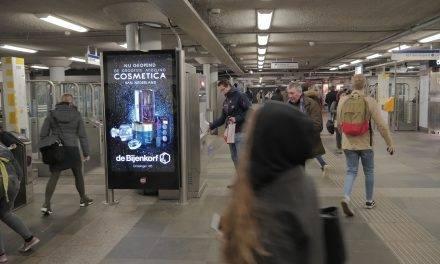 Gloednieuwe abri's in Rotterdamse metro